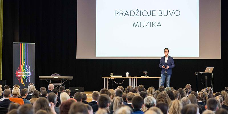 MUZIKOS PAMOKA su Martynu Levickiu